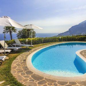Villa Minuta. Wedding Planner in Amalfi Coast and Puglia. Mr and Mrs Wedding in Italy