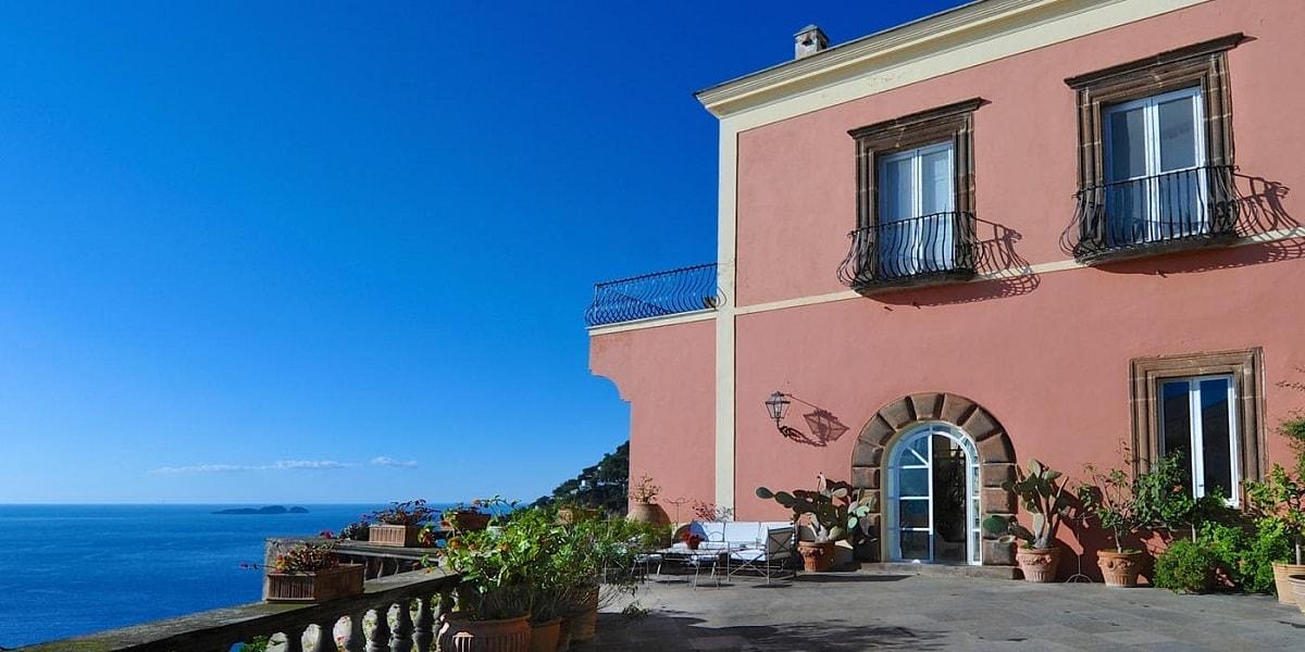 Villa Magia. Positano. Wedding Planner in Amalfi Coast and Puglia. Mr and Mrs Wedding in Italy