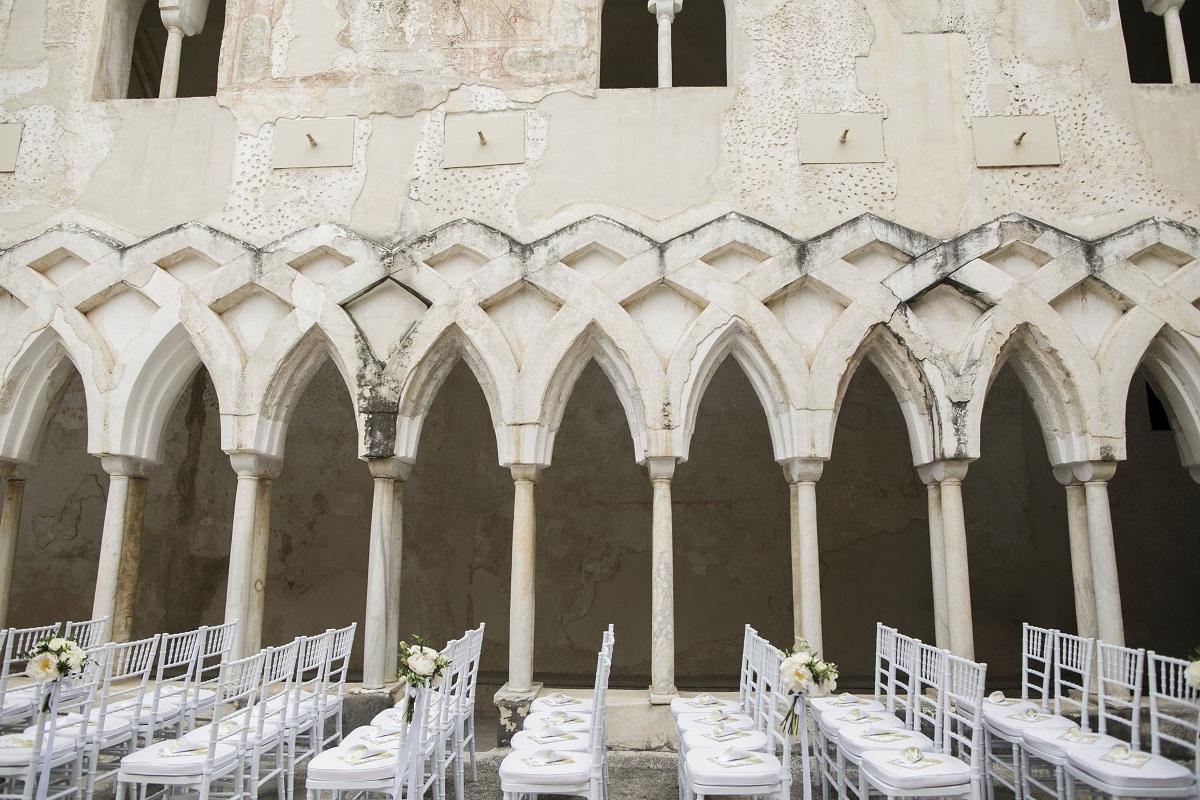 Isabella and Peter Wedding in Amalfi NH Grand Hotel Convento di Amalfi cloister