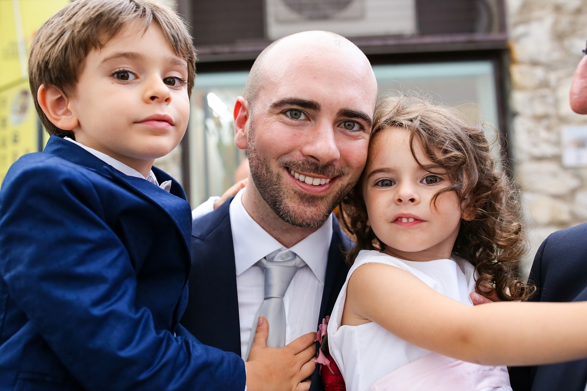 the groom and the kids
