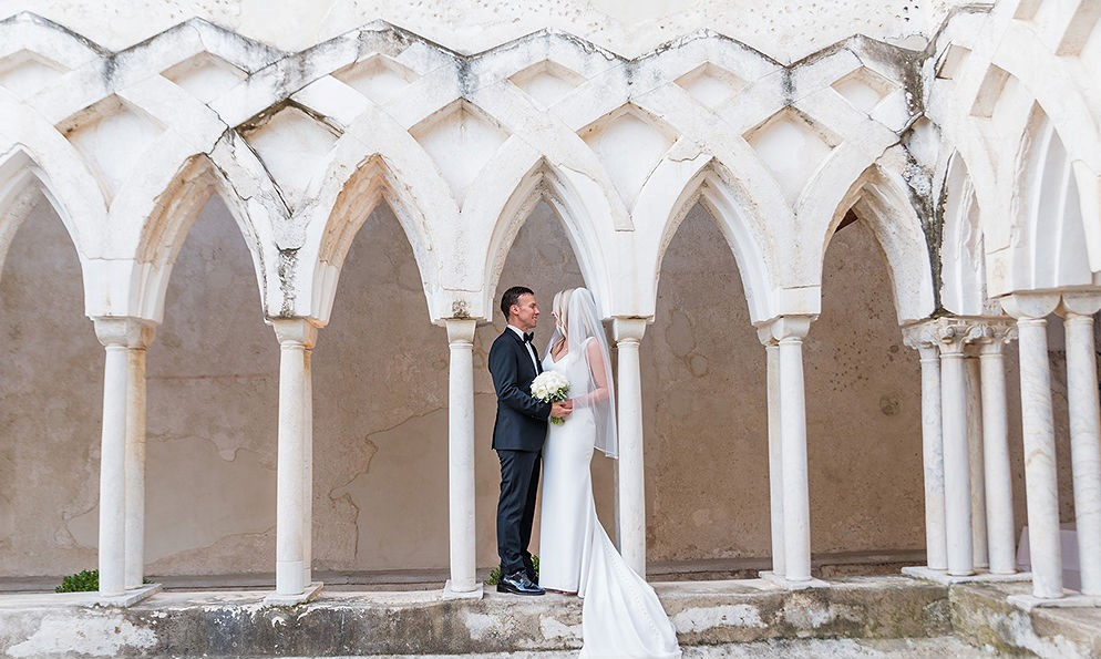 NH Amalfi Chiostro bride and groom