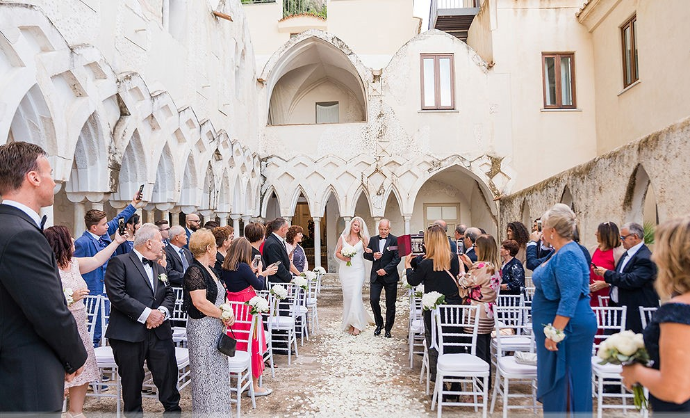NH Amalfi Chiostro wedding ceremony guests