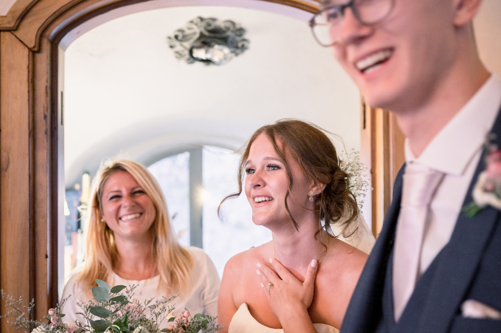 Ines Napolitano with the couple of newlyweds