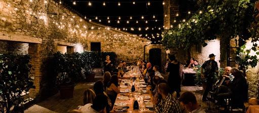 Wedding pizza party on the Amalfi Coast
