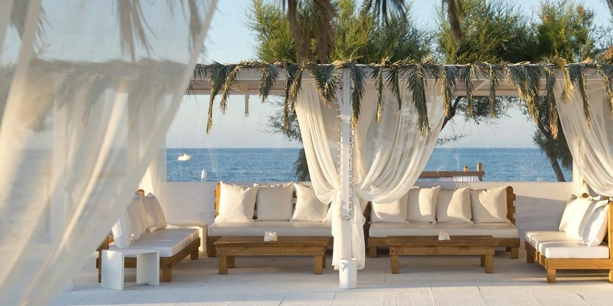 White Beach di Torre Canne. Wedding Planner in Amalfi Coast and Puglia. Mr and Mrs Wedding in Italy