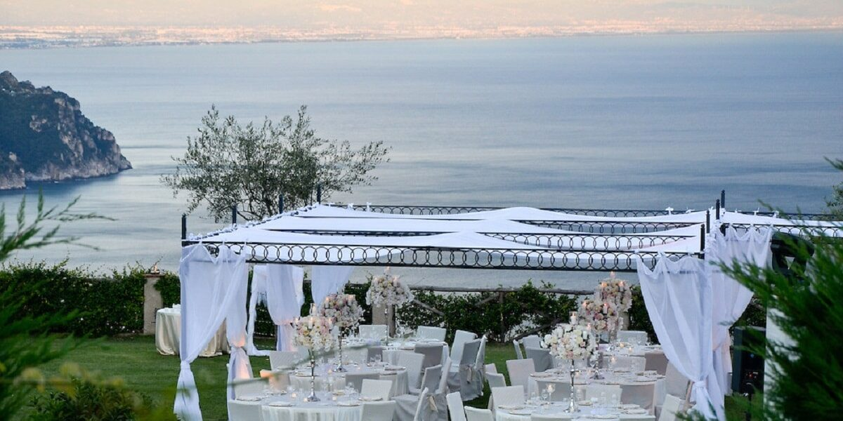 Villa Cimbrone. Gardens. Wedding Planner in Amalfi Coast and Puglia. Mr and Mrs Wedding in Italy